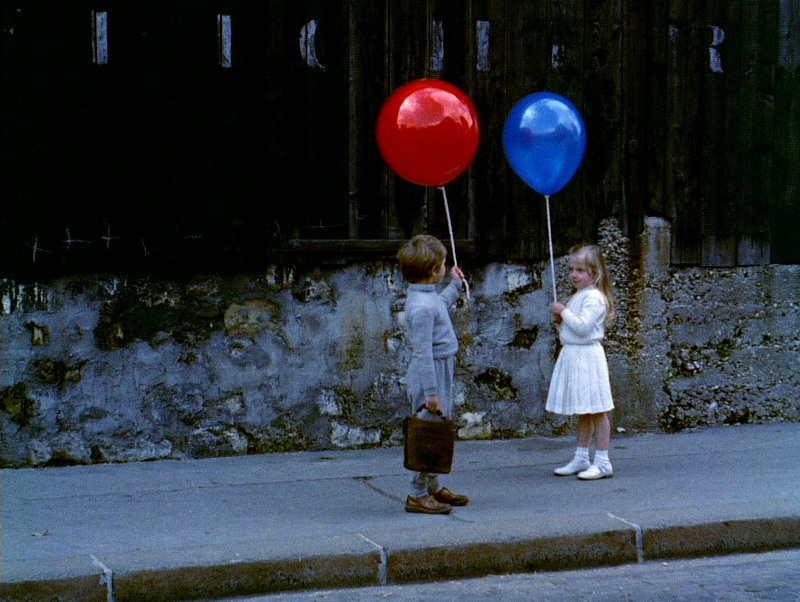 red-balloon-blue